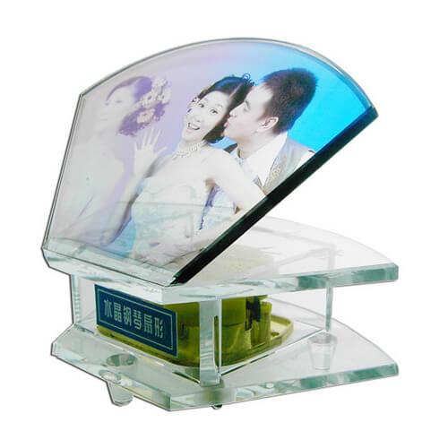 Zenélő doboz legyező alakú fényképes kristállyal, SJ19-es típus